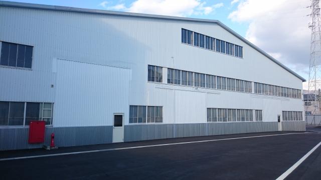 アルミ製造工場の倉庫